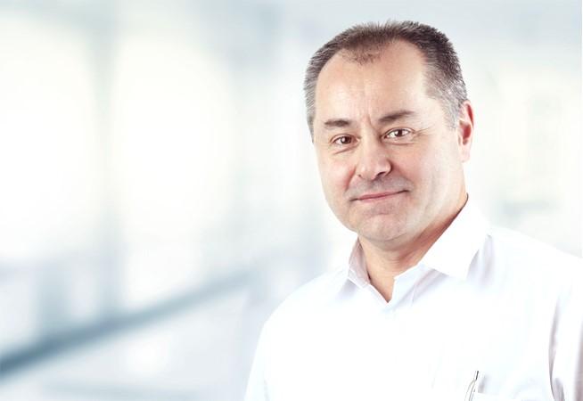 Dr. Tomas Cepelak